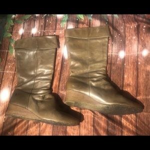 FRYE SUNNY WEDGE BOOTS LEATHER PULL size 10